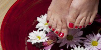 Cuida tus pies con cremas hidratantes tras el ajetreo de las navidades